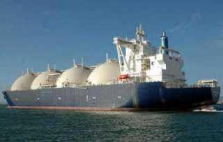تحميل شحنة الغاز التاسعة للتصدير من دمياط للهند